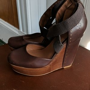 Lucky Brand wedge